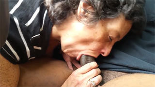 Mature Granny Gets Cum in Mouth after Blowjob in the Car